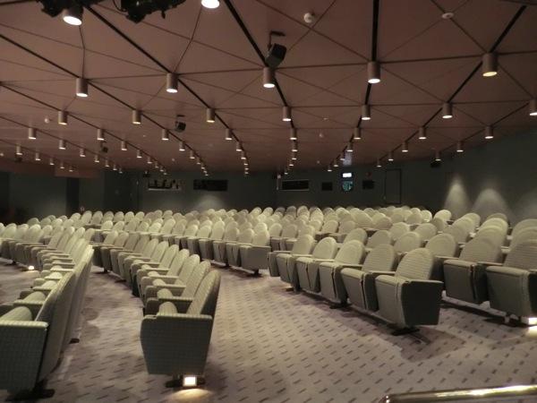 飛鳥 映画館