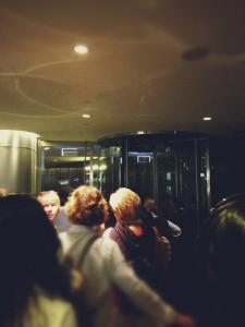 「At The Top」エレベーター