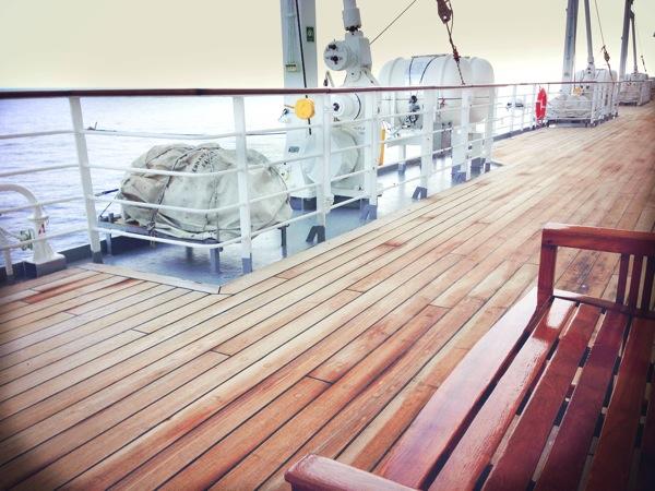 飛鳥 甲板